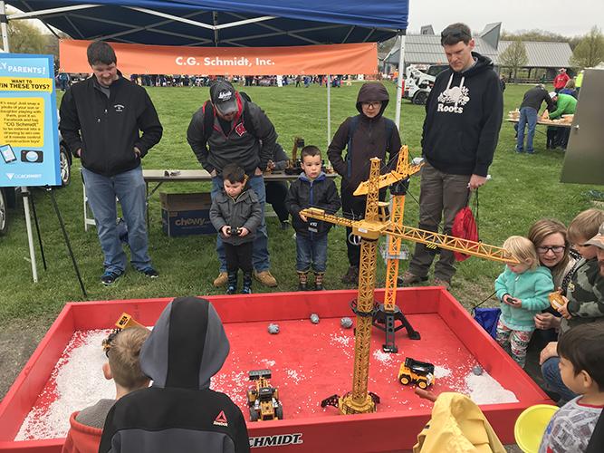Kids Building WI