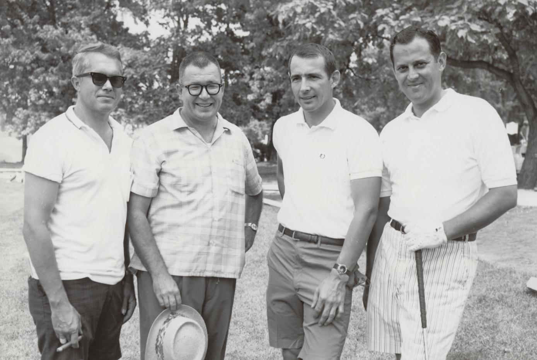 golf-group-2